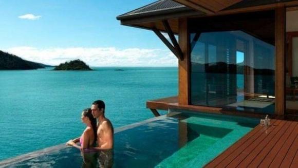 Nghề ai cũng muốn làm: Ở biệt thự trên đảo, nửa năm kiếm ngay 2,6 tỷ đồng - 4