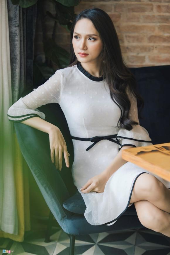 tan hh chuyen gioi huong giang idol: toi khong biet ai la dai gia hinh anh 4
