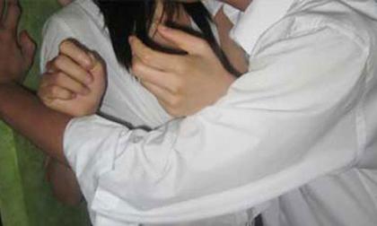 """Bé gái 13 tuổi tự nguyện """"dâng hiến"""" khiến 2 nam thanh niên vào tù"""