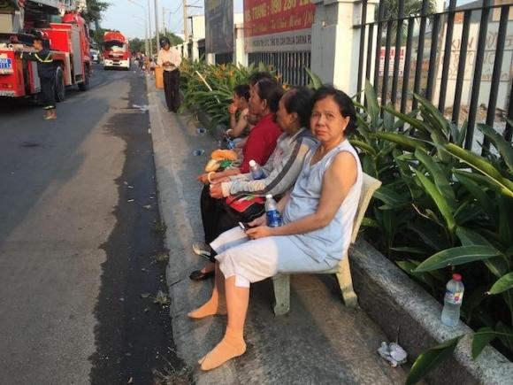 Ảnh: Hiện trường vụ cháy chung cư khiến 13 người chết ở TP.HCM - 9