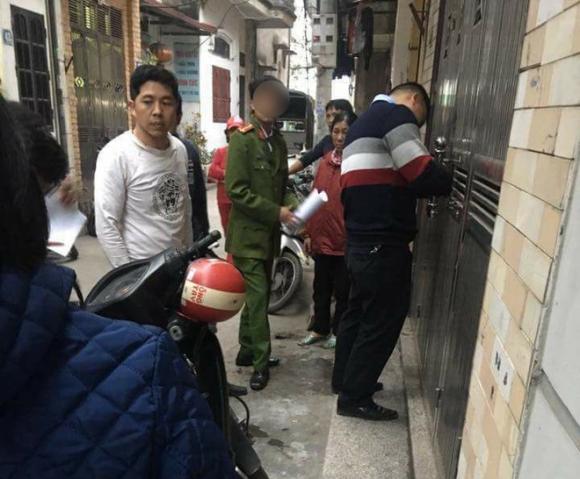 Hà Nội: Nữ giáo viên bị chồng cũ tạt axit ngay trước mặt bố đẻ và con gái 8 tuổi - Ảnh 1.