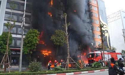Cháy quán karaoke khiến 13 người chết: Nữ chủ quán bị đề nghị mức án 10 - 11 năm tù