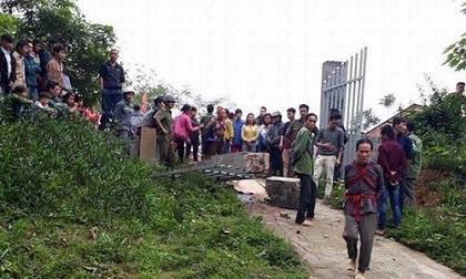 Lào Cai: Cổng trường đổ sập đè chết học sinh lớp 2