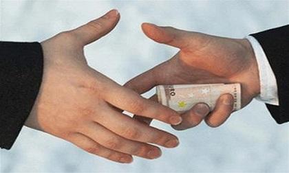 Giám đốc và kế toán trưởng 'bắt tay' tham ô hơn 4 tỷ đồng