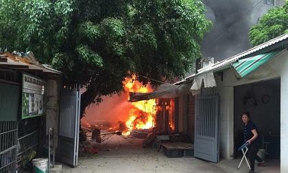 """Cháy chợ Quang (Hà Nội): Tiểu thương """"chết lặng"""" khi biết kẻ gian lợi dụng cháy lấy trộm vàng"""
