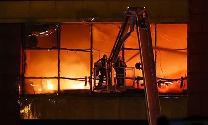 Cháy bệnh viện tâm thần, hàng trăm người vội vã chạy thoát thân