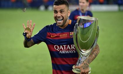 Cựu sao Barca trở thành cầu thủ thành công nhất lịch sử túc cầu