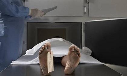 Nhân viên nhà xác hoảng hồn khi 'xác chết' bất ngờ sống dậy