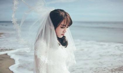 Bạn gái 8 năm báo về quê làm giấy tờ, anh chàng yên tâm ở nhà chờ, cho đến khi biết tin có người đang chụp ảnh cưới