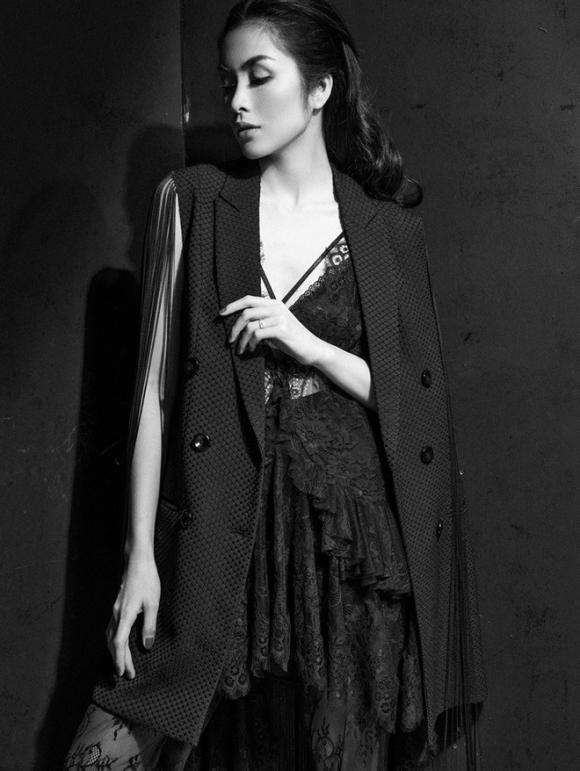 Diện váy ren sexy, Tăng Thanh Hà được khen nhan sắc đỉnh cao - Ảnh 1.