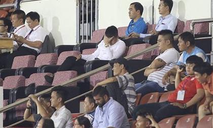 Đội bóng của Công Vinh: Cơn đau đầu vì tiền