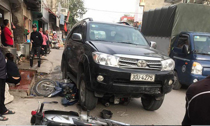Vụ xe 'điên' gây tai nạn thương tâm ở Hà Nội: Mẹ gãy chân nằm viện không hay biết con gái 7 tuổi đã mất