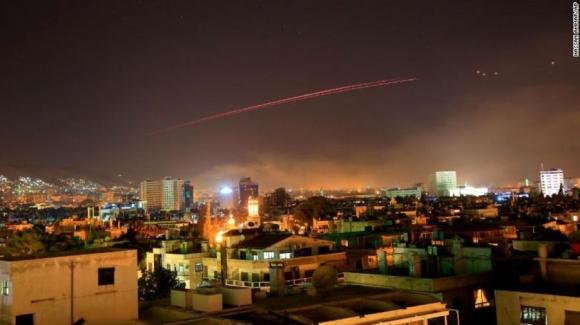 """Nổ lớn ở thủ đô Syria sau khi Trump ra lệnh """"dội bão lửa"""" - 2"""