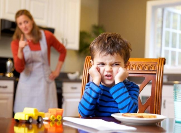 10 điều cha mẹ nên dạy bé từ 2 tuổi để trở thành người lịch sự, ai cũng quý mến - 2