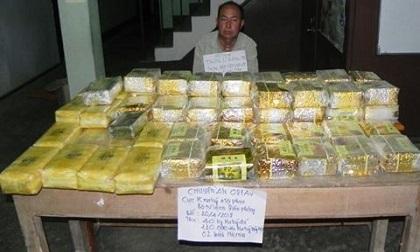 Bắt 'ông trùm' vận chuyển 40kg ma túy dạng 'đá', 120.000 viên ma túy trên lằn ranh biên giới