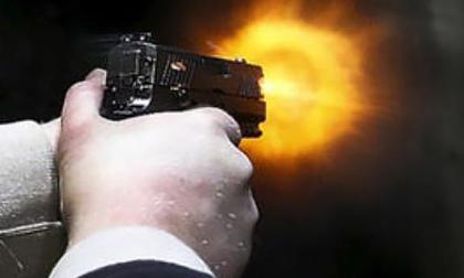Nổ súng truy sát người trên xe taxi như phim xã hội đen