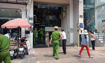 Hà Nội: Mâu thuẫn khi đi thang máy, cư dân vác dao chém nhau khiến ba người bị thương