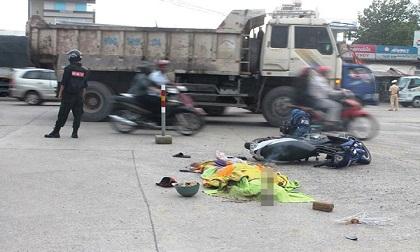 """Hàng chục người truy đuổi """"hung thần"""" trên phố sau tai nạn chết người"""