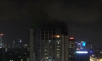 Cháy lớn tại toà nhà cao tầng trên đường Lê Văn Lương