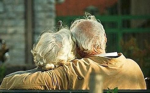 Cụ ông 81 tuổi giết vợ, tạo hiện trường giả