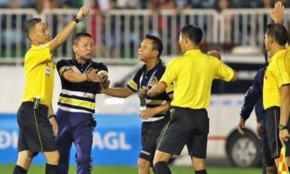 Hà Nội FC nhận 'mưa' án phạt, HAGL chỉ bị phạt tiền