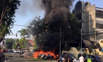 Chi tiết vụ gia đình 6 người đánh bom tự sát gây kinh hoàng ở Indonesia