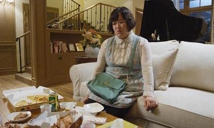 Sững sờ khi sếp nữ của chồng đến nhà, chồng bỗng nhiên gọi vợ là người giúp việc