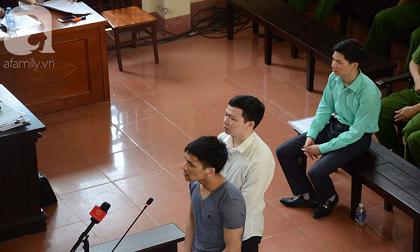 Bác sỹ Hoàng Công Lương trả lời gay gắt tại tòa: 'Tôi học về chuyên môn để cứu chữa bệnh nhân chứ không phải là để giết người'