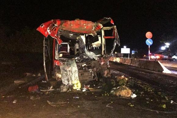 Truy nguồn gốc xe khách gây tai nạn làm 12 người thương tích