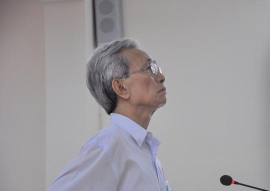 Làm rõ thêm nhiều trường hợp tố ông Nguyễn Khắc Thủy dâm ô bé gái - Ảnh 1.