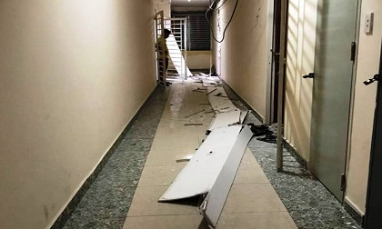 Cư dân kinh hoàng khi trần chung cư ở Sài Gòn đổ sập