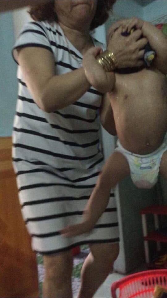 Sốc với clip đánh trẻ mầm non dã man trong giờ ăn ở Đà Nẵng - 1