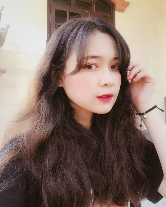 Loat hot girl sinh nam 2000 chuan bi thi THPT quoc gia hinh anh 10