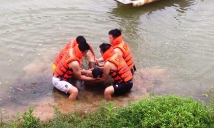 Dẫn nhau ra ao tắm, 2 anh em trai chết đuối thương tâm