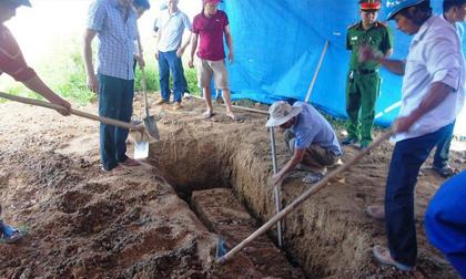 Tử thi nữ kế toán trưởng 6 năm chưa bị phân hủy: Gia đình đã cho gì vào mộ?