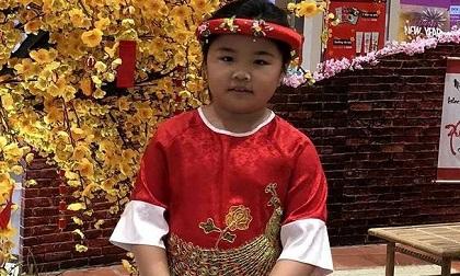 Bé gái 8 tuổi bị bạn lạ dẫn đi rồi mất tích khi chơi ở Đầm Sen