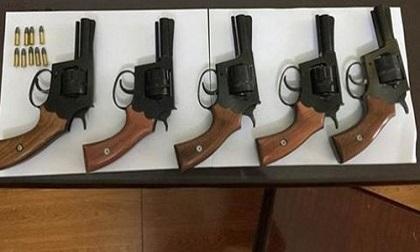 Bắt 'trùm' chế tạo súng ngắn ổ quay cho 'xã hội đen'