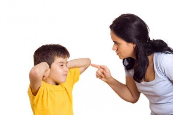 Có những hành động  này, cha mẹ đã quá nghiêm khắc khiến con bị tổn thương - 2