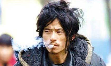 'Chàng ăn mày đẹp trai nhất Trung Quốc' từng khuấy đảo mạng xã hội năm xưa giờ ra sao?