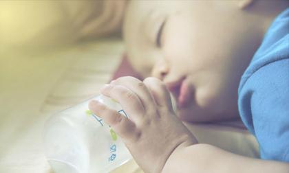 9 sai lầm trong việc chăm sóc trẻ sơ sinh cha mẹ cần bỏ ngay lập tức