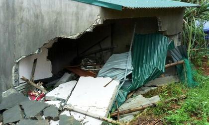 Nhà bất ngờ đổ sập trong đêm, con gái tử vong, 2 vợ chồng trọng thương