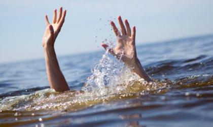 Cậu bé 8 tuổi bị đuối nước, động tác sơ cứu này sẽ chỉ đẩy nhanh đến cái chết