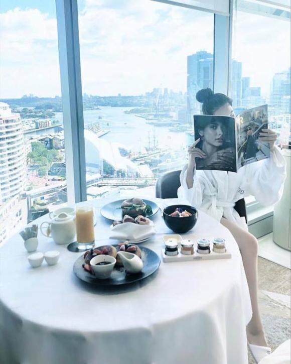 Kỳ nghỉ hè xa hoa ngút trời của tiểu thư nhà giàu Việt Nam - 8