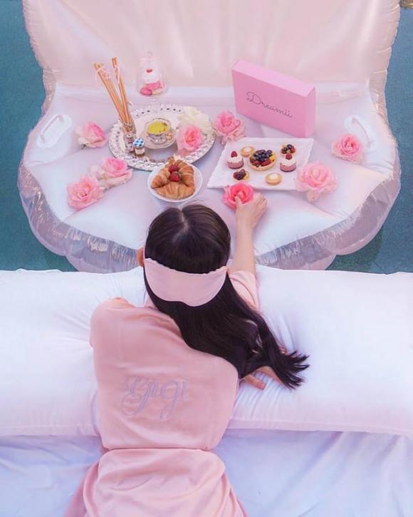 Kỳ nghỉ hè xa hoa ngút trời của tiểu thư nhà giàu Việt Nam - 13