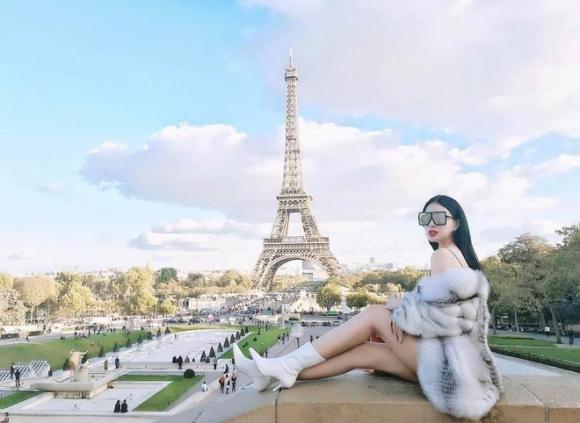 Kỳ nghỉ hè xa hoa ngút trời của tiểu thư nhà giàu Việt Nam - 1