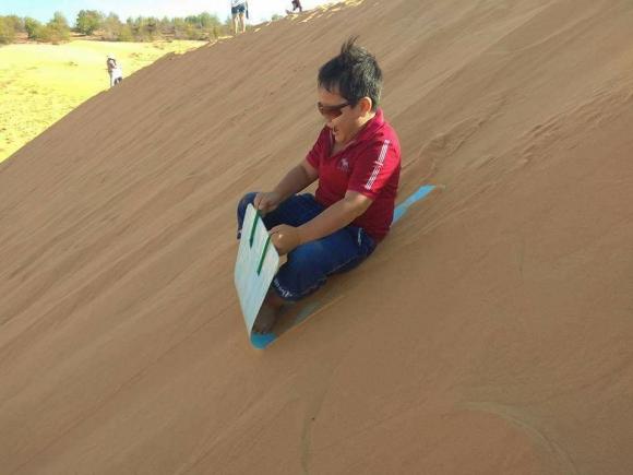 Sảng khoái với trải nghiệm trượt cát ở Mũi Né - 9