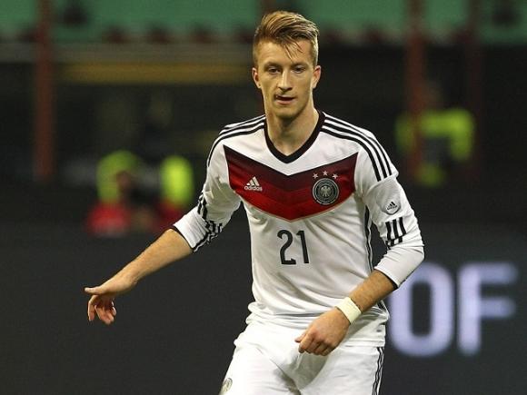 Chuyện tình sốc giữa tiền vệ tuyển Đức với siêu mẫu con gái trùm ma túy, nhà thổ - 2