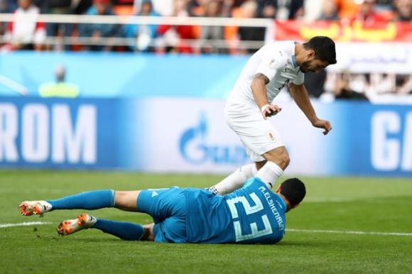 World Cup Uruguay - Saudi Arabia: Suarez