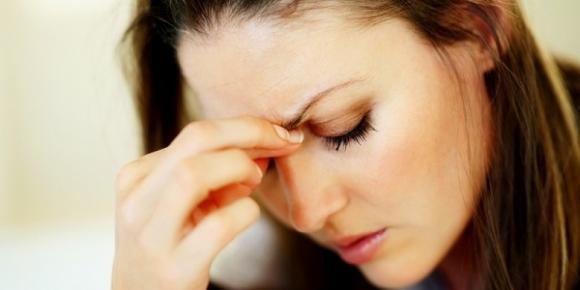 Mẹ vợ vừa qua cơn nguy kịch, chồng mình đã gọi về đòi chia tiền chi tiêu với anh trai - Ảnh 2.