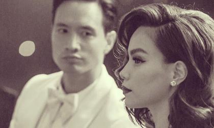 Khoảnh khắc 'tình bể bình': Kim Lý say sưa ngắm nhìn Hà Hồ trong sự kiện